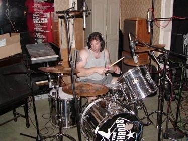 Crow on his drumset