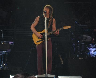 Richie Sambora playing guitar Bon Jovi