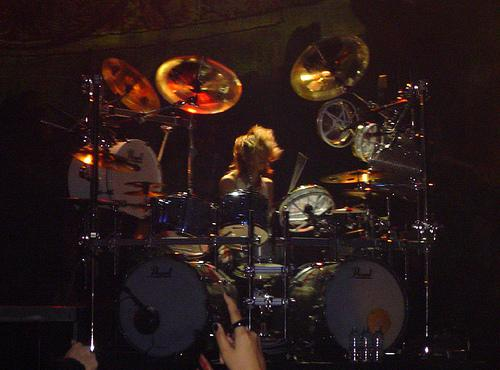 Shinya playing drums with Dir En Grey